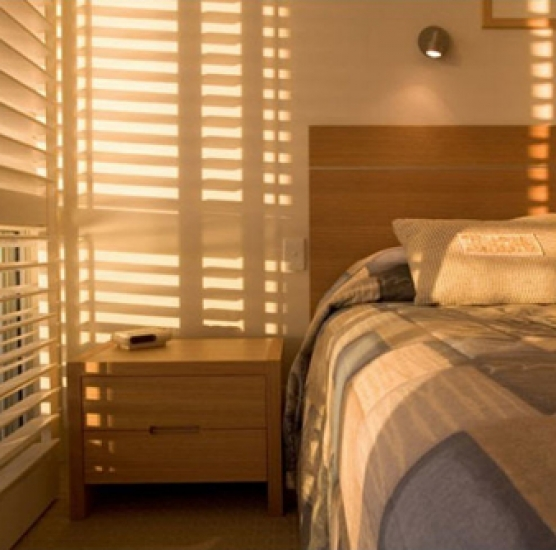 Rèm  sáo nhôm đẹp cho phòng ngủ sang trọng.